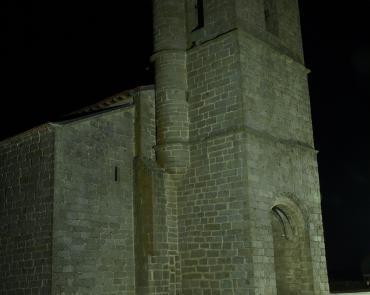 Iglesia al anochecer en Fuenterroble de Salvatierra